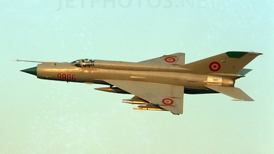 9806 - Mikoyan-Gurevich MiG-21MF Fishbed J - Romania - Air Force