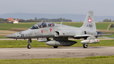 J-3211 - Northrop F-5F Tiger II - Switzerland - Air Force