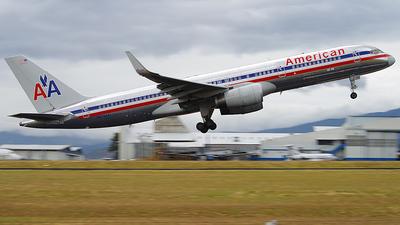 N628AA - Boeing 757-223 - American Airlines