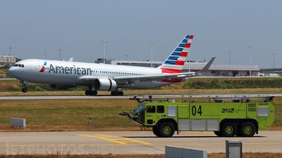 N372AA - Boeing 767-323(ER) - American Airlines