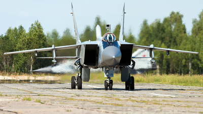 84 - Mikoyan-Gurevich MiG-31 Foxhound - Russia - Air Force