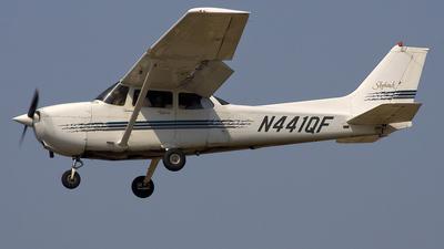 A picture of N441QF - Cessna 172R Skyhawk - [17280278] - © Joe C