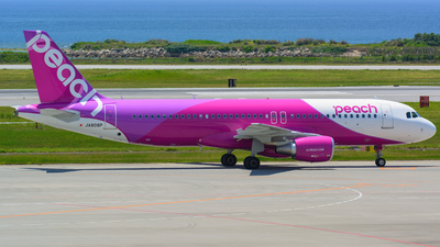 JA808P - Airbus A320-214 - Peach Aviation