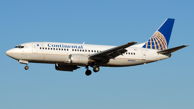 N14337 - Boeing 737-3T0 - Continental Airlines