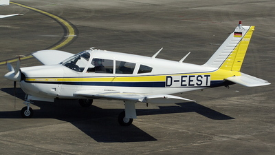 D-EEST - Piper PA-28R-200 Cherokee Arrow  - Private