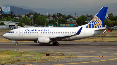 N17620 - Boeing 737-524 - Continental Airlines