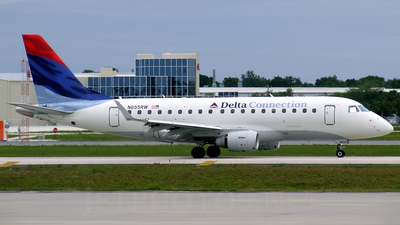 N855RW - Embraer 170-100SE - Delta Connection (Shuttle America)