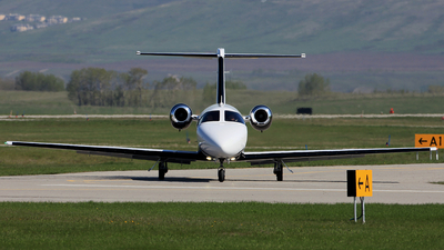 A picture of N367CM -  - [] - © Mike MacKinnon