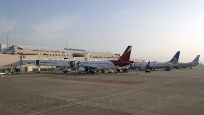 MHLM - Airport - Terminal