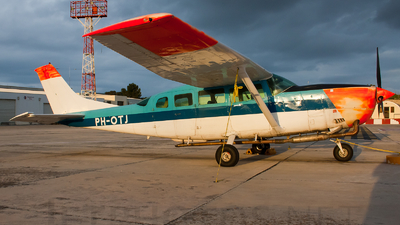 PH-OTJ - Cessna T207 Turbo Skywagon - Fugro Aerial Mapping