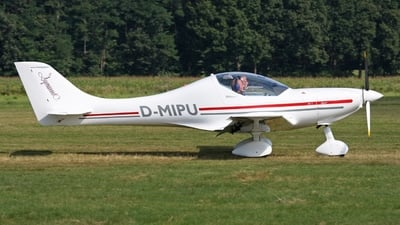 D-MIPU - AeroSpool Dynamic WT9 - Private