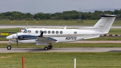 A picture of N37172 - Beechcraft King Air 350 - [FL472] - © Giorgio Adamo