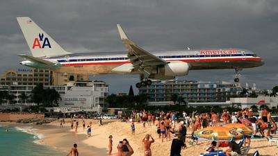 N606AA - Boeing 757-223 - American Airlines