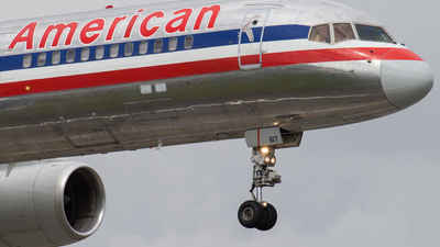 N617AM - Boeing 757-223 - American Airlines