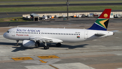 ZS-SZZ - Airbus A320-232 - South African Airways