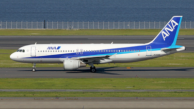 JA8396 - Airbus A320-211 - All Nippon Airways (ANA)