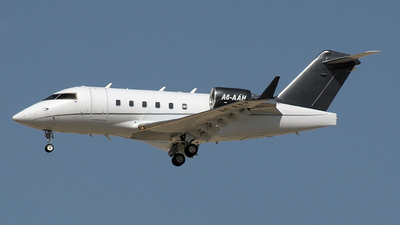 A6-AAH - Bombardier CL-600-2B16 Challenger 604 - Elite Jets