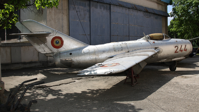 244 - Mikoyan-Gurevich MiG-15bis Fagot - Romania - Air Force