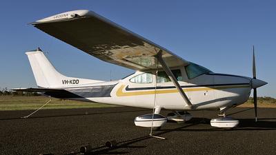VH-KDD - Cessna 182Q Skylane II - Private