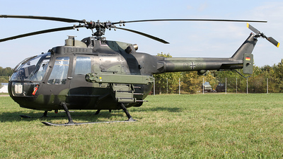 87-90 - MBB Bo105P1 - Germany - Army