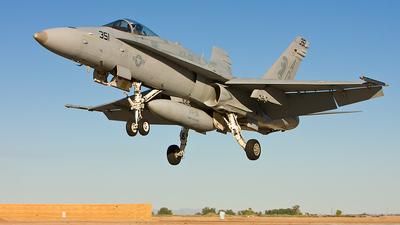 165184 - McDonnell Douglas F/A-18C Hornet - United States - US Navy (USN)