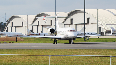 M-AQUA - Bombardier BD-700-1A11 Global 5000 - Private