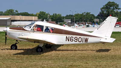 N6901W - Piper PA-28-140 Cherokee - Private