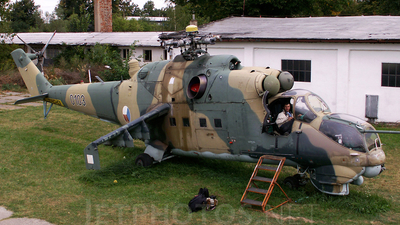 0103 - Mil Mi-24D Hind D - Czech Republic - Air Force
