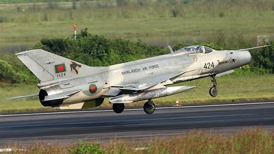 1424 - Chengdu F-7MB - Bangladesh - Air Force