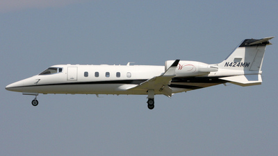 N424MW - Bombardier Learjet 60 - Private