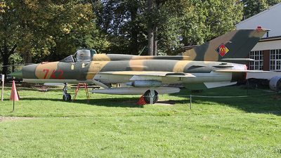 742 - Mikoyan-Gurevich MiG-21SPS Fishbed F - German Democratic Republic - Air Force