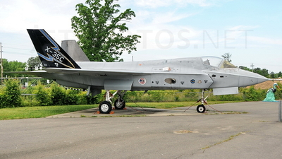 300 - Lockheed Martin X-35C Joint Strike Fighter - Lockheed Martin