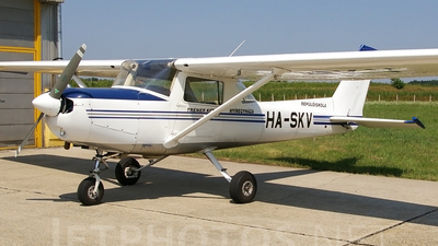 HA-SKV - Cessna 152 II - Private