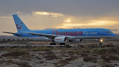 G-BYAH - Boeing 757-204 - Thomson Airways