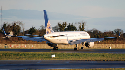 N48127 - Boeing 757-224 - Continental Airlines