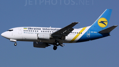 UR-GAJ - Boeing 737-5Y0 - Ukraine International Airlines