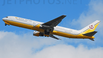 V8-RBL - Boeing 767-33A(ER) - Royal Brunei Airlines