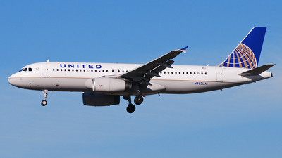 N482UA - Airbus A320-232 - United Airlines