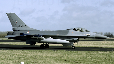 J-257 - General Dynamics F-16A Fighting Falcon - Netherlands - Royal Air Force