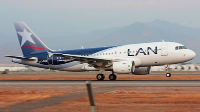 CC-BCE - Airbus A319-112 - LAN Airlines