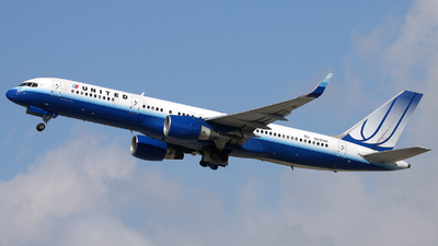 A picture of N517UA - Boeing 757222 - [24861] - © Michael Dawson