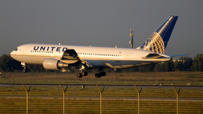N76156 - Boeing 767-224(ER) - United Airlines (Continental Airlines)