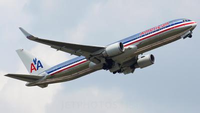 N359AA - Boeing 767-323(ER) - American Airlines