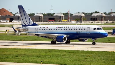 N633RW - Embraer 170-100SE - United Express (Shuttle America)