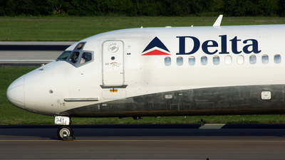 N941DL - McDonnell Douglas MD-88 - Delta Air Lines