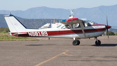 A picture of N98189 - Cessna R172E Skyhawk - [R1720244] - © Felipe Garcia