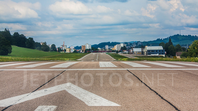 LSGC - Airport - Runway