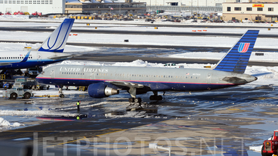 N575UA - Boeing 757-222 - United Airlines