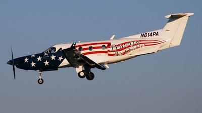 A picture of N814PA - Pilatus PC12/45 - Priority Air Charter - © DJ Reed - OPShots Photo Team