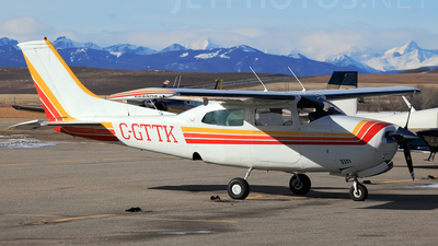 A picture of CGTTK - Cessna 210L Centurion - [21060002] - © Mike MacKinnon